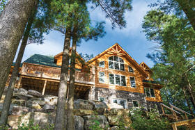 A Delightful Return to Kushog Lake in a Log Home