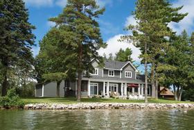 Royally Charmed Island Life on Chemong Lake