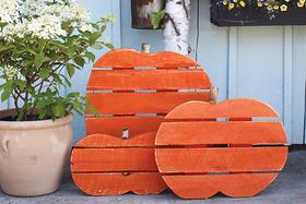 DIY Rustic Pallet Pumpkins