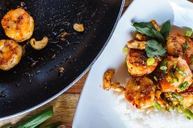 Flavourful and Quick Thai Cashew Shrimp